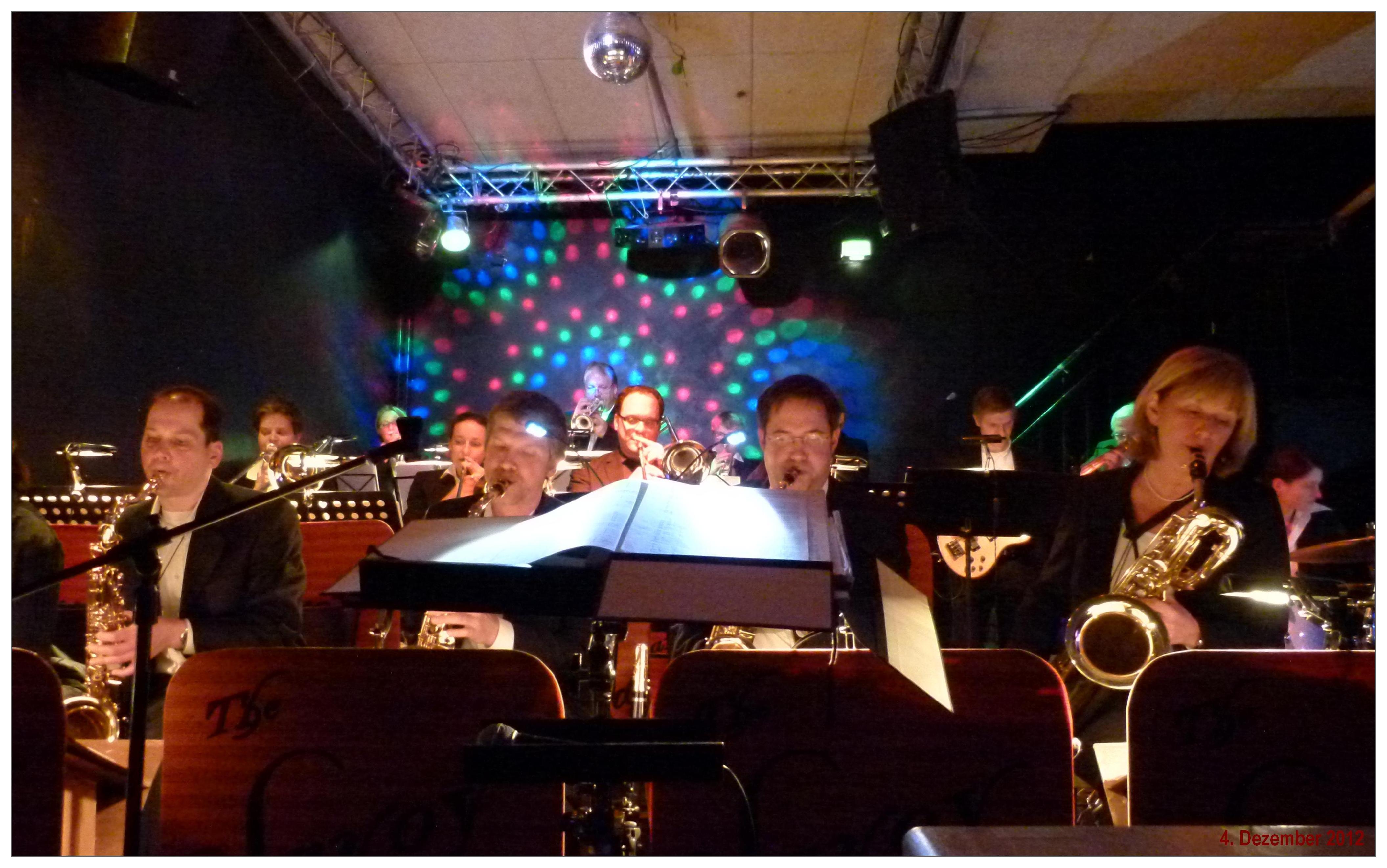 So 270113 2100h Jazzclub Birdland THE SAVOY BIGBAND Hannes Und Hanna Wohnzimmer